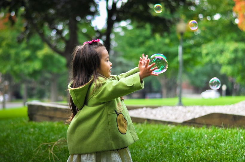 young-girl-with-bubbles